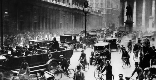 the 1920s roaring twenties