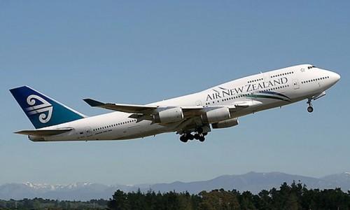 Air New Zealand 747 400 takeoff